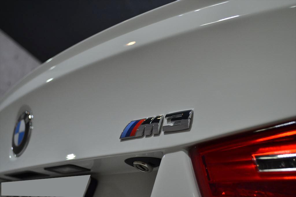 M3 白-9