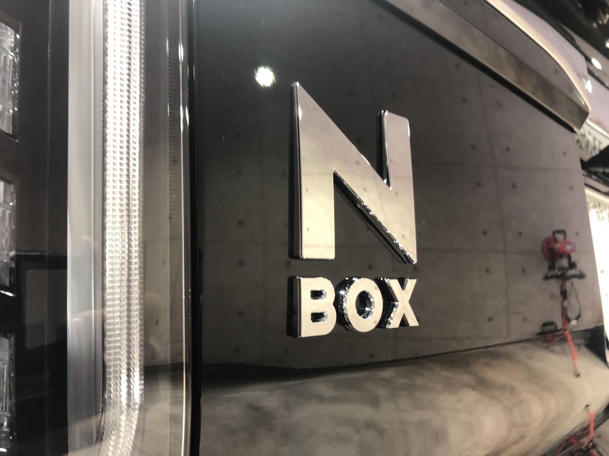 honda_n-box_bla_007